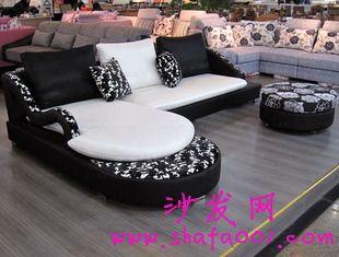 选择布艺沙发让家变得更加温馨和睦