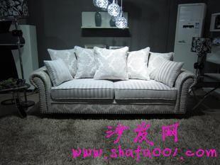 欧式简约布艺沙发的搭配有技巧你知道吗