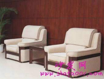 单人布艺沙发灵巧舒适 享受恬静的休息空间