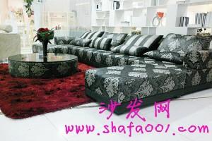 2013年新款布艺沙发让你的生活告别一成不变