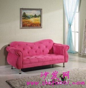 2013年新款布艺沙发让你体验不同的生活乐趣