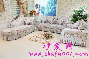 几个妙招轻松解决布料沙发怎么清洗的问题