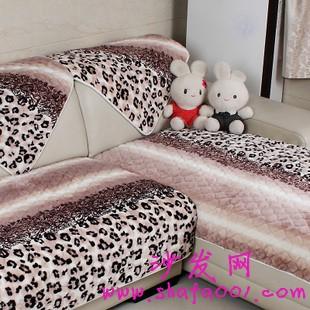 细心呵护纯棉布艺沙发 为家居营造温馨氛围