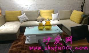 通过正确的方法选择布艺沙发并合理搭配