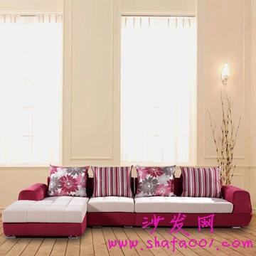 选购红色布艺组合沙发 体验热情生活