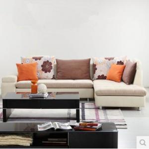 搭配布艺组合沙发要注意色彩搭配 不要眼花缭乱