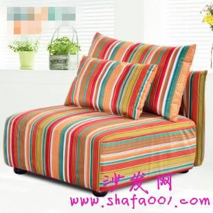 单人沙发巧妙搭配 体现主人不俗的生活格调与品位