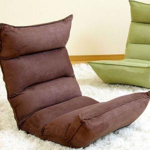 选购懒人沙发有方法 换着姿势进行试坐